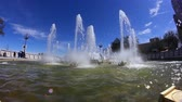 yeni : A fisheye view of the fountain at the Riverwalk Park in New Orleans, LA on the bank of the Mississippi River. Stok Video