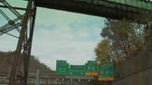 коммутирующих : Driving towards the Fort Pitt Tunnel in Pittsburgh.  In 4K UltraHD.