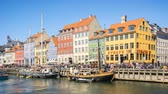 4K, Timelapse video of Nyhavn waterfront, canal and entertainment district in Copenhagen, Denmark, Time Lapse Vidéos Libres De Droits