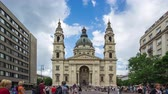 hungria : Timelapse of tourist are traveling at St. Stephens Basilica or Budapest Cathedral in Budapest city, Hungary