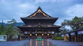 gece vakti : Day to Night time lapse video of Zenkoji temple landmark in Nagano, Japan timelapse 4K