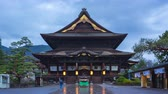 asiático : Day to Night time lapse video of Zenkoji Temple in Nagano, Japan timelapse 4K