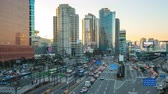 trafik : Traffic in Seoul city street in South Korea timelapse 4K