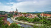 город : Time lapse video of Cesky Krumlov city skyline in Czech Republic timelapse 4K