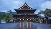 japon : Day to night timelapse of Zenkoji buddhist temple in Nagano, Japan Stok Video