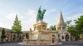 Time lapse of a bronze statue of Stephen I of Hungary in Budapest timelapse 4K Dostupné videozáznamy