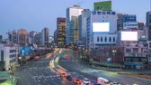 tráfego : Night to day time lapse video of busy traffic and car in Seoul, South Korea