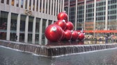 kereszt : Giant Red Christmas Ball Ornaments In Fountain - Static