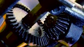 vez : Old gears rotate in abstract mechanism