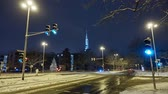 The intersection in Hannover during snowfall. Time lapse. Stok Video