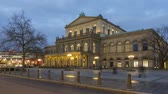 Hannover Opera House at winter evening. A theater built in classical style between 1845 and 1852. Time lapse. 4K. Vídeos