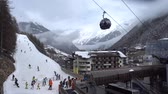 kablolar : Soelden, Austria - March 30, 2018: View of a popular ski resort Soelden in Austria. 4K. Stok Video