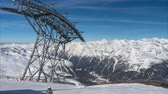 Ski lift in the Alps during skiing season. Time lapse. 4K. Stok Video