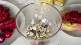 crocante : pouring muesli into bowl super slow motion