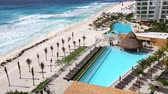 erkély : MEXICO, CANCUN - 14 MARCH 2015: Luxury hotel Bay View Grand Porto Fino with a swimming pool