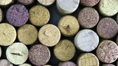 alkollü : A lot of wine corks rotating. Top view Stok Video