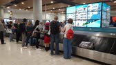 mládež : MAY 22, 2018 LARNACA, CYPRUS: Larnaca International airport Hermes, arrival hall People passengers traffic Dostupné videozáznamy