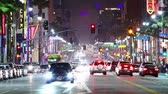 dynamique : Timelapse de Hollywood boulevard trafic la nuit. LOS ANGELES