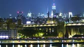 eua : Manhattan skyline at night. Time lapse and loopable Vídeos