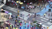kereszt : Timelapse of city traffic and pedestrians, New York