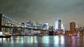 não urbano : New York skyline and Brooklin bridge view, time lapse