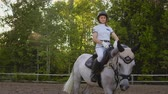 eyer : Perfect horseback riding. Slow motion