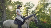 eyer : Horseback riding in nature
