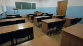 mesa de madeira : Empty classroom in high school