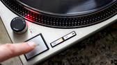 рычаг : turntable ignition and start-up of the plate at 33 rpm. Stroboscope correct disk speed checks