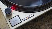 рычаг : Stop turntable of the plate at 33 rpm. Stroboscope correct disk speed checks