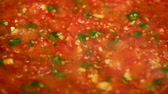 ketçap : Cooking delicious tomato sauce closeup Stok Video