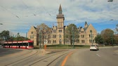 пассажир : Toronto, Canada - Oct 15, 2017: Streetcar at the University of Toronto. Daniels Faculty in the city of Toronto. Province of Ontario, Canada