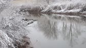 страна чудес : Heavy snow on the river. Winter weather