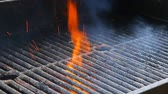 sığır eti : BBQ Grill and glowing coals. You can see more BBQ, grilled food, fire