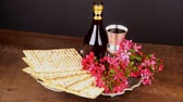 hebrejština : Pesach Still-life with wine and matzoh jewish passover bread
