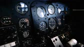 кокпит : 4K Close up footage of the inside of an old plane cockpit Стоковые видеозаписи