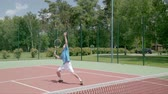 habilidade : Tennis overhead smash. Most graceful and powerful stroke. Slow motion