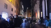 From the Trevi Fountain to the Pantheon, passing through the Temple of Hadrian, walking through the streets of the historic center of Rome. Hyper lapse 4k