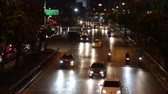 em linha reta : The car run on the city street at night in Bangkok Thailand Stock Footage