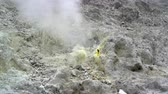 chunk : Fumarola on top of the volcano and the yellow solidified sulfur around it