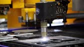 cotovelo : Fully automated oxyfuel cutting or cutting with conventional plasma can be enhanced to a variety of high precision plasma cutting applications including pipe, profile or elbow cutting and marking.
