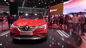 Neuwagen Renault Arkana auf dem Messestand auf dem Moscow International Automobile Salon 2018 in Russland