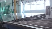 рычаг : Machine is Laying Down Large Sheets of Glass. Full HD