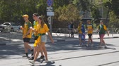 admiração : SAMARA, RUSSIA - JUNE 21, 2018: Australian football fans on the streets of Samara during the football world Cup 2018
