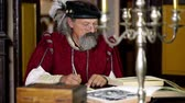 peruca : Close of an old scholar amid his work