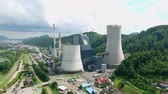 毒性 : Astonishing chimneys of thermoelectric plant in Sostanj, Slovenia that evaporate water vapor, smog and other chemicals. 動画素材
