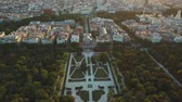 historia : flight drones over the famous Park of the Retiro of Madrid and the Prado Museum Wideo