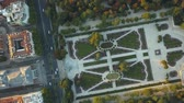 lugar : flight drones over the famous Park of the Retiro of Madrid and the Prado Museum Vídeos