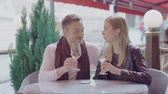 vinho branco : Couple On Date Drinking Wine In Cafe Outdoors