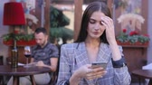chatování : Beautiful Woman Using Mobile Phone At Outdoor Cafe, Beautiful Female With Smartphone Outdoors